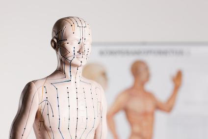 Akupunktur auf den Meridianen nach TCM